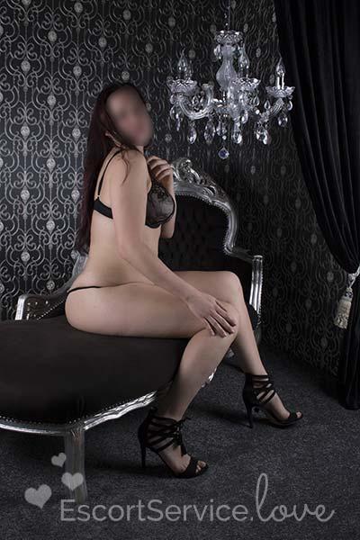 Sexy wulpse escort dame Courtney